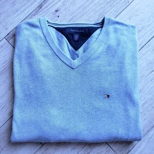 Tommy Hilfiger V Neck lightweight sweater